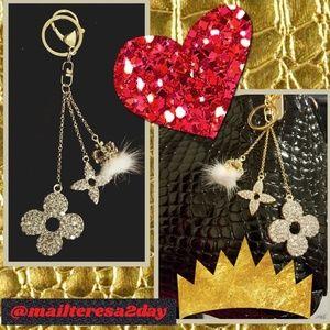 Accessories - (1) Flower Clover Crown Keychain/Fob, Purse Charm